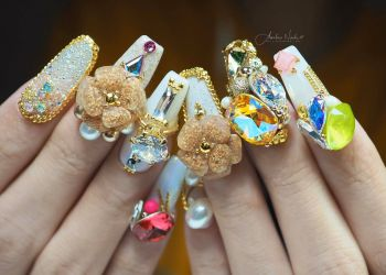 Amelie's Nail Journey