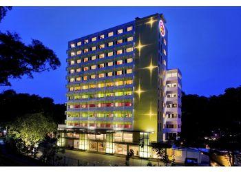 Hotel Re!